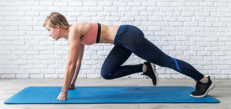 Mountain climbers for getting rid armpit fat