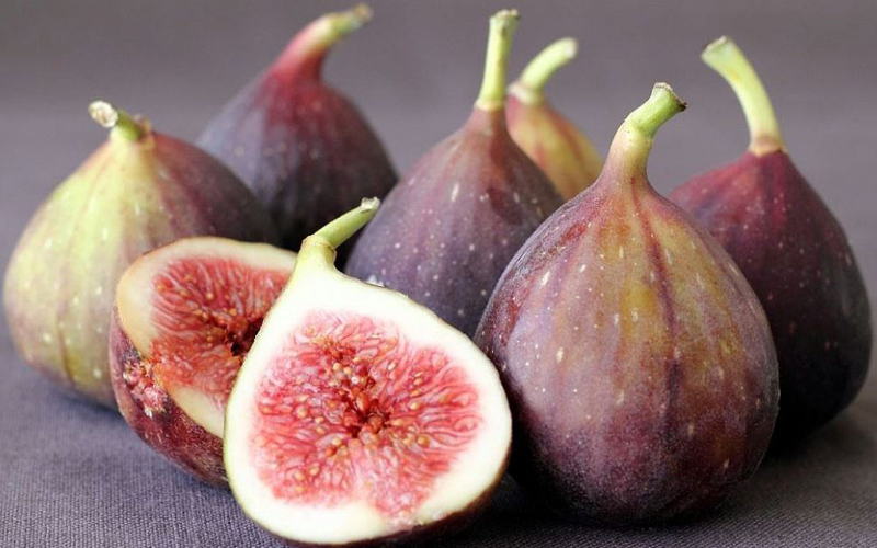 List Fruits That Are Not Round, fig fruit