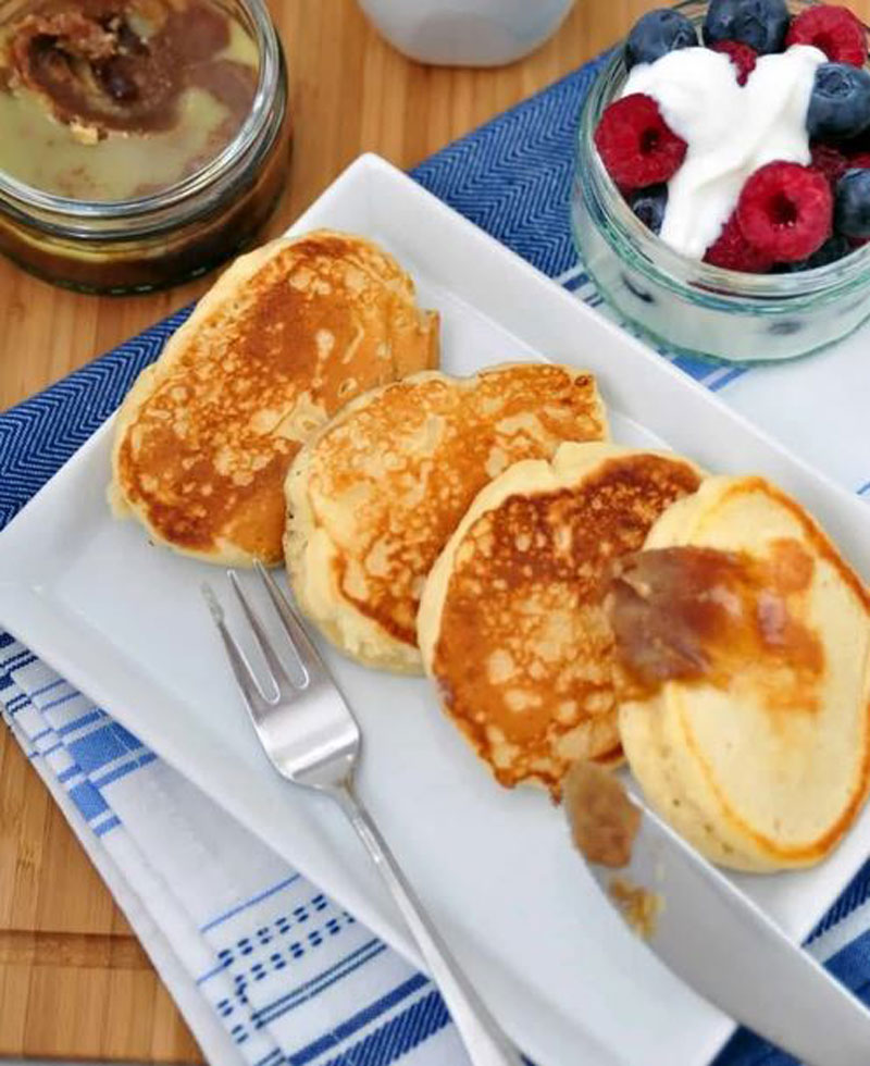 Carbquik pancakes with cinnamon and flaxseed